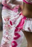 执行为萨尔塔,阿根廷狂欢节开头的舞蹈家  免版税库存图片