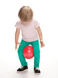 执行体操的小女孩 免版税库存图片