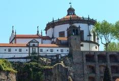 执行修道院毛发的葡萄牙serra 免版税图库摄影