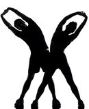 执行健身人一妇女锻炼的夫妇 库存图片