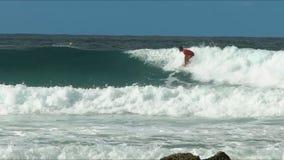 执行减少的冲浪者的慢动作 股票视频