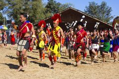 执行在犀鸟节日, Kisama的纳卡人部落 库存照片