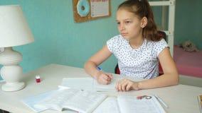 执行家庭作业女小学生 股票录像