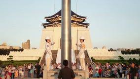 执行每日台湾旗子的仪仗队降低仪式 影视素材