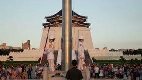 执行每日台湾旗子的仪仗队降低仪式 股票视频