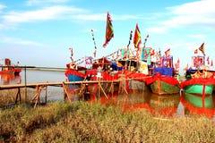 执行的传统小船  库存照片