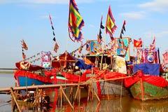 执行的传统小船  免版税库存照片