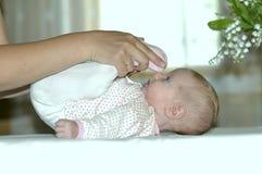 执行若干舒展的婴孩 库存照片