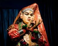 执行tradititional Kathakali舞蹈戏曲的印地安演员 库存图片