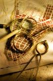 扩大化映射的古色古香的玻璃 免版税库存照片