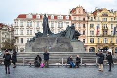 扬・胡斯纪念碑在老镇中心在布拉格,捷克 图库摄影