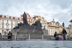 扬・胡斯纪念碑在老镇中心在布拉格,捷克 免版税图库摄影