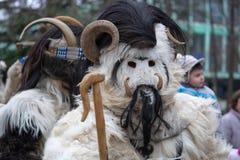 扬博尔,保加利亚- 2017年2月26日-化妆节日Kukerlandia -化妆舞会比赛国际节日  免版税库存照片