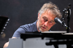 扬・提尔森,法国音乐家,表现在男爵阶段 免版税库存照片