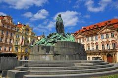 扬・胡斯,国家肖像馆,老大厦,老镇中心,布拉格,捷克的纪念碑 库存图片