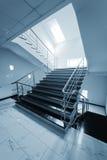 扶手栏杆楼梯钢 免版税图库摄影