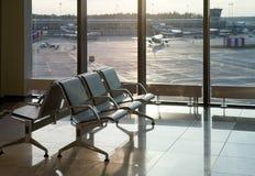 扶手椅子倒空亲切空间等待 免版税库存照片