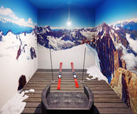 扶手椅子和滑雪 免版税库存照片