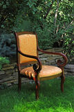 扶手椅子庭院 免版税库存图片