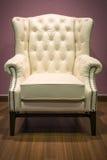 扶手椅子经典皮革豪华白色 免版税库存照片