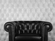 扶手椅子黑色皮革 免版税图库摄影