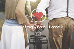 寻找爱华伦泰拉丁文的心脏约会激情概念 库存图片