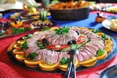 承办宴席新鲜和teasty食物 免版税库存照片