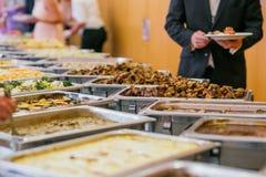 承办酒席婚礼自助餐食物 免版税库存图片