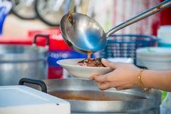 承办宴席的食物免费,泰国食物 免版税图库摄影