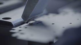 技术员在工厂的工作 金属细节专业制造商  影视素材