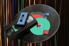 技术的变动从留声机圆盘对SD卡片 图库摄影
