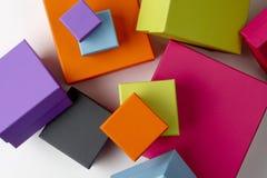 把五颜六色的礼品装箱 库存照片