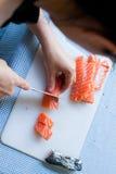 把切成小方块的三文鱼 库存照片