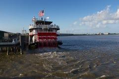 把口岸留在的Natchez火轮小船在市新奥尔良,路易斯安那 免版税库存照片