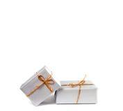 把查出的礼品装箱 免版税库存图片