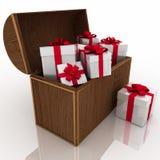 把礼品珍宝装箱 库存照片