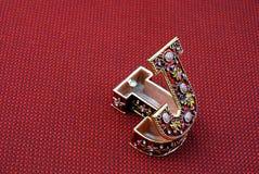 把被塑造的j珠宝装箱 免版税库存照片