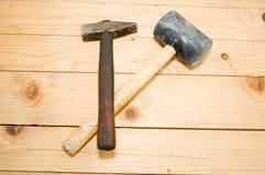 2把锤子,一是铁,并且其他橡胶 库存照片
