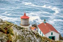 把雷耶斯灯塔指向太平洋海岸,在1870年修造 库存图片