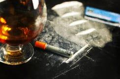 抓照片概念瘾可卡因酒精玻璃药物 免版税库存图片