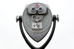 投入硬币后自动操作的双筒望远镜 库存照片