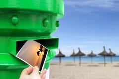 投掷明信片张贴箱子 库存图片