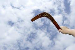 投掷的被绘的飞旋镖 免版税库存图片