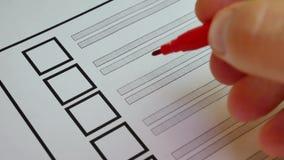 投票在纸投票的手 库存例证