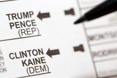 投票支持带领选票的美国总统候选人 免版税库存照片