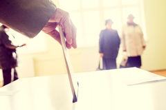 投票的手 免版税库存图片