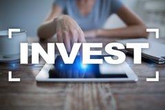 投资的回收投资 概念性财务增长图象查出的白色 技术和企业概念 免版税图库摄影