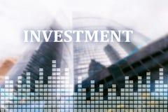 投资,ROI金融市场概念城市背景 库存图片