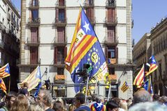 抗议召集自由和独立讲话的西班牙卡塔龙尼亚巴塞罗那讲台 免版税库存图片