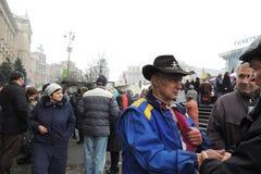 抗议的人反对克里米亚的俄国入侵。 免版税库存照片